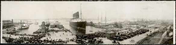 the_lusitania_at_end_of_record_voyage_1907_lc-usz62-649561