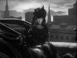 Sibella (Joan Greenwood)