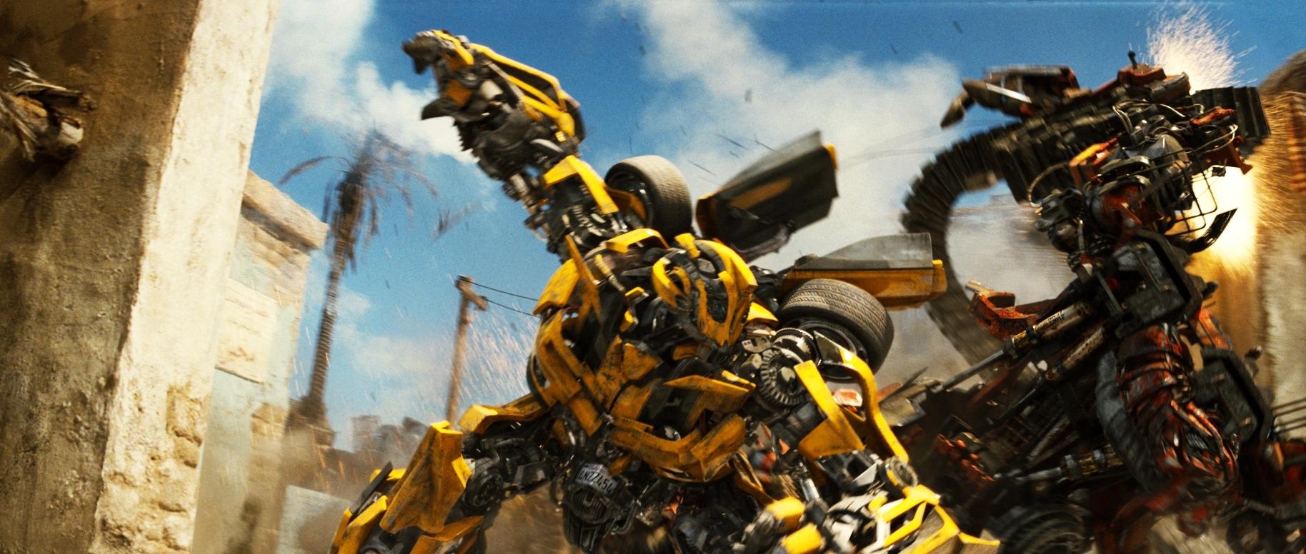 Transformers The Dark of the Moon / Трансформеры 3. В комнате