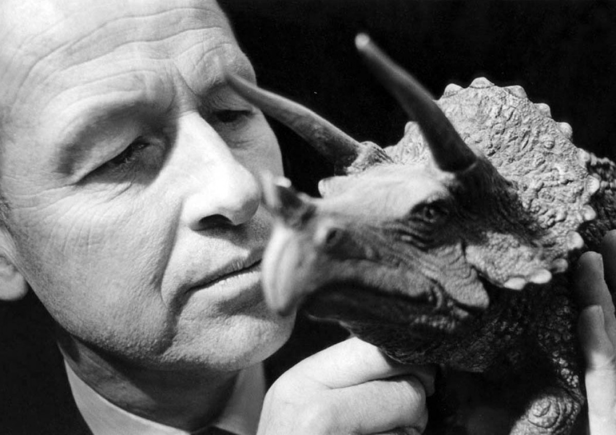 http://drnorth.files.wordpress.com/2010/06/ray-harryhausen-one-million-years-bc.jpg