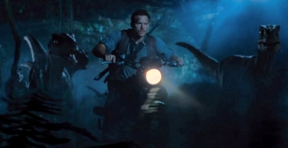 Jurassic-World-Raptor-Bike-Chase Chris Pratt
